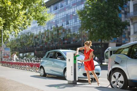 Attraktive und effiziente Elektromobilität dank EVlink