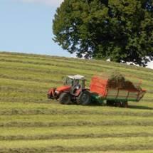 Am Puls der Zeit bleiben: Unternehmen aus der Landtechnik bewerten die Weiterbildung in technischen Fachkompetenzen als unerlässlich