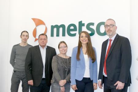 (v.l.n.r.) Robert Otto, Michael Porten und Denise Huntenburg freuen sich, dass Instandhaltung Komfort zur Arbeitssicherheit bei Metso Germany beiträgt. Donika Memisi und Wolfgang Kleikamp von LeasePlan haben die Einführung des Produkts begleitet