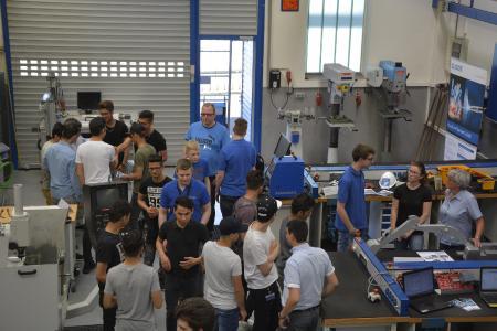 Rund 90 Interessenten informierten sich über die Ausbildungsmöglichkeiten bei CLOOS