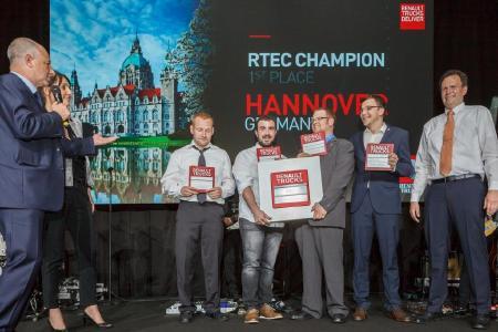 Die Gewinner aus Isernhagen (v.l.n.r.): Christian Dülken, Mario Gomez Bastida, Timo Niemann, Ralf Schiller und Trainer Volker Thömke
