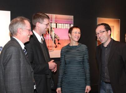 (Foto: © hl-studios, Erlangen) v.l.n.r. Matthias Murko, Dr. Matthias Henkel, Bürgermeisterin Stadt Erlangen, Dr. Elisabeth Preuß,  Jürgen Hinterleithner