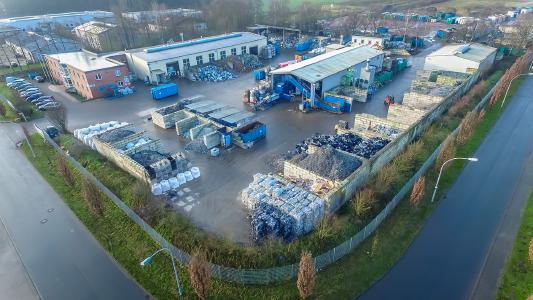 Hennemann Umweltservice Elektronik GmbH, headquartered in Espelkamp (NRW), collects, transports, disassembles and prepares electrical and electronic scrap.