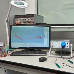 Narda Safety Test Solutions S.r.l. presenta i ricevitori EMI della serie ER: una gamma di apparecchi di nuova concezione, pienamente conformi alla norma CISPR 16-1-1 per ogni applicazione e situazione in cui sono richieste prove affidabili di elettrocompatibilità ai massimi livelli di precisione da laboratorio.