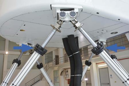 Am Unterbau der Electric Motion Systems von E2M übernehmen verschiedene Typen der Strukturdämpfer namens TUBUS von ACE wichtige Aufgaben beim Schutz der Gesamtkonstruktion / Bildnachweise: E2M Technologies und ACE Stoßdämpfer GmbH