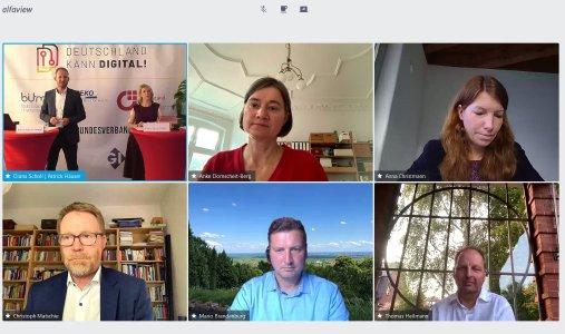 BU: Die Bundestagsabgeordneten Anke Domscheit-Berg, Anna Christmann, Thomas Heilmann, Mario Brandenburg und Christoph Matschie (im Uhrzeigersinn, beginnend Mitte oben) diskutieren in der digitalpolitischen Debatte von Deutschland kann digital!