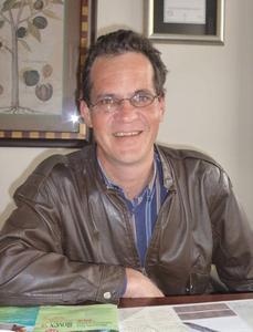 Dr. Steve Davis (South Africa)