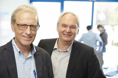 Die beiden Geschäftsführer von Geuer International, Thomas van Hövell (l.) und Horst Geuer (r.), freuen sich über die gute Entwicklung ihres Unternehmens.