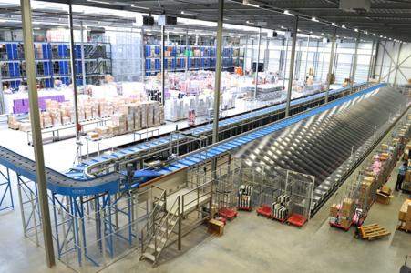 Nelson's 7,000-square-metre distribution centre offers storage for 550,000 pairs of shoes and the automatic sorter can handle 5,500 pairs per hour