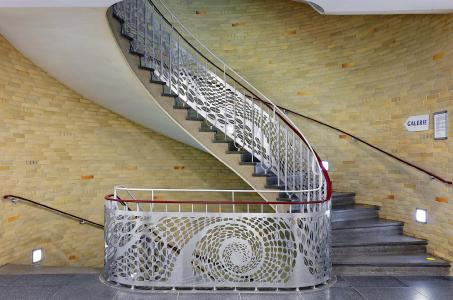 Deutscher Verzinkerpreis 2017: Eine Anerkennung der Kategorie Metallgestaltung erhielt Isabel Lange Metallgestaltung für die Neugestaltung des Geländers der Haupttreppe eines Krankenhauses in Preetz