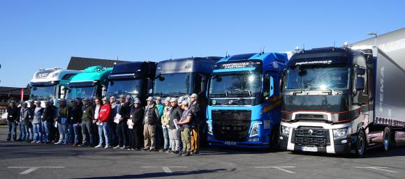 72 junge BerufskraftfahrerInnen haben getestet und bewertet: Ihre Nummer zwei ist die Renault Trucks T High Edition