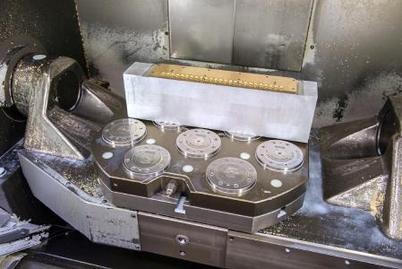 Das AMF-Zero-Point-System in der Fertigung. Das Spannsystem erhöht die Maschinenlaufzeit durch schnellen Werkstück- und Vorrichtungswechsel