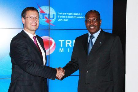 ITU Generalsekretär Touré und Trend Micro CTO Genes