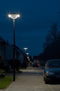 Helle Köpfe greifen frühzeitig auf  LED-Straßenbeleuchtung zurück - sie ist energieeffizient und kostengünstig