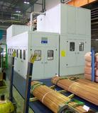 Die effektive Medienaufbereitung mit Wärmerückgewinnung ermöglicht eine lange Standzeit des Lösemittels und einen energieeffizienten Betrieb der Anlage.