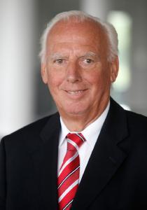 Prof. Dr. h.c. Josef Kurz feiert am 1. April 2017 sein 60-jähriges Arbeitsjubiläum bei den Hohenstein Instituten