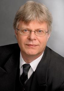 """""""Kanguru Defender 2000 liegt unglaublich angenehm in der Hand."""" Bert Rheinbach, Geschäftsführer von OPTIMAL System-Beratung"""