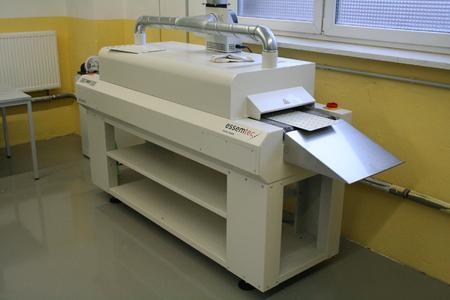 Der Konvektionsofen RO 300FC auch zum Löten auf Aluminiumkernen geeignet.