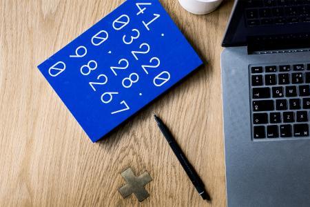 Überhöhte Unternehmensbewertungen verhindern erfolgreiche Unternehmensnachfolgen - egal ob innerfamiliär oder extern. Bildnachweis / Copyright: Foto von Volkan Olmez auf Unsplash