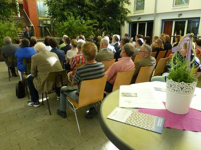Gäste aus Bildung und Politik waren ins bayerische Bliensbach gekommen, um das erste Schülerlabor Deutschlands für Faserverbundwerkstoffe einzuweihen