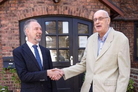 Führungswechsel bei der ATP Elektronik: Uwe Tews übergibt an Wolfgang Spang
