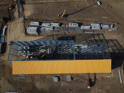 ADR-Anlage mit errichteten und installierten Kohlenstoffsäulen (Hintergrund) - 25. April 2019