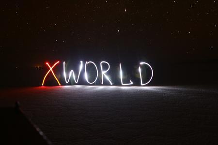 XWORLD Südamerika 2011/2012 - Salar de Uyuni, Bolivien - Lichtspiele unter Sternenhimmel