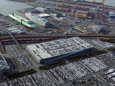 Offiziell eingeweiht: Das neue Autoregal N3 auf dem BLG-Autoterminal in Bremerhaven