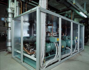 Um die Wartung von Maschinen wie dieser dreht sich ein Großteil der Service-Arbeit. Bild: KWT AG