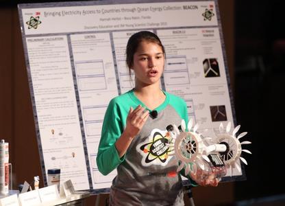 """Die Schülerin Hannah Herbst aus Florida gewann den US-amerikanischen Wettbewerb """"Young Scientist Challenge"""" des Multitechnologieunternehmens 3M"""