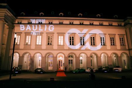 Das Logo der Baulig Consulting GmbH zierte an diesem Abend das Schloss Koblenz