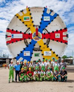 Der Herrenknecht-Mixschild (Ø 11,340 mm) fuhr für den Victory Boogie Woogietunnel in Den Haag zwei Röhren mit einer Länge von je rund 1.600 Metern auf. Das offenen Speichenschneidrad ermöglicht eine direkte Materialförderung aus dem Schneidradzentrum