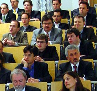 Blick ins Plenum beim 1. Landshuter Symposium Mikrosystemtechnik 2008