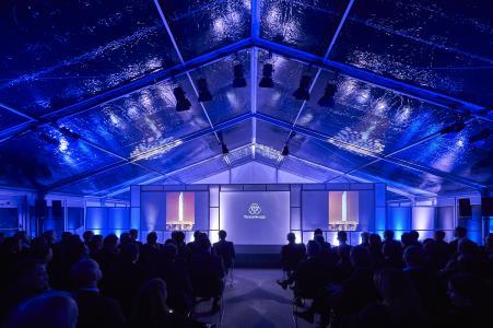 Vorstellung des Projekts 'Testturm thyssenkrupp' im Losberger Show-Zelt.