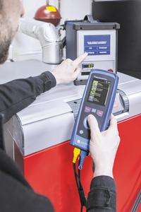 The new MULTILYZER STe flue gas analyser can also be used as a central controller for the AFRISO STM 225 dust measuring instrument. Together, the two devices are a high-end measuring system for all measuring tasks at solid fuel, oil fired and gas fired systems (Photograph: AFRISO)