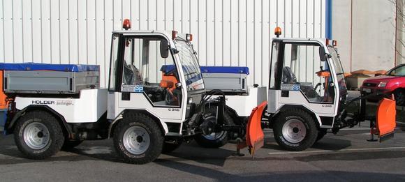 Der Holder C 345 ist eines der 35 Winterdienstfahrzeuge der STEINER & PRASCHL Gebäudereinigung GmbH.