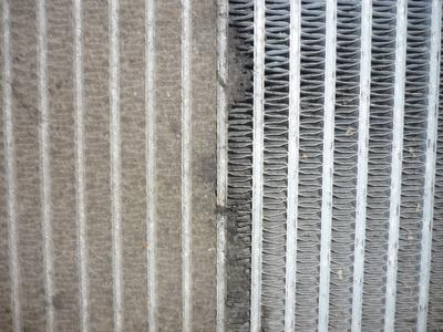 Figure 2: highly polluted plate-fin heat exchanger (left: polluted / right: clean)