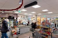 Edeka Bonus in Leichlingen hat sein Hygienekonzept weiter ausgebaut: So wird die Raumluft im Kassenbereich permanent mit AirCom Pro entkeimt.