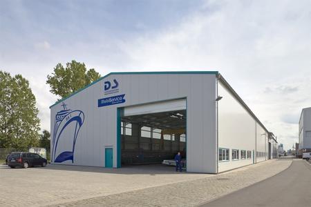 Losberger Werkstatthalle für Schiffsreparaturen u.a. mit drei Rolltoren
