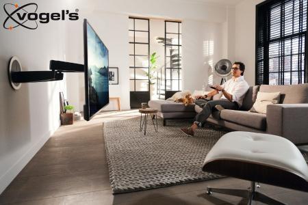Der Überflieger: Vogels MotionMount NEXT 7355 elektrische schwenkbare TV Wandhalterung