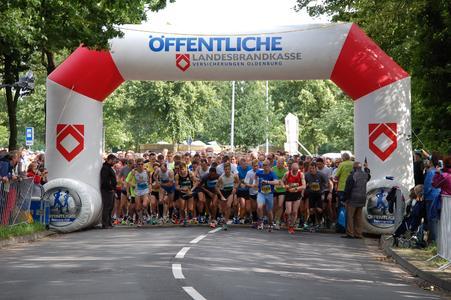 Der Hauptlauf startet um 17.00 Uhr. Wieder mit dabei ist der Marathon-Vorjahressieger Elias Sansar aus Detmold (Bildquelle: Remmers, Löningen/Paul Mastall)