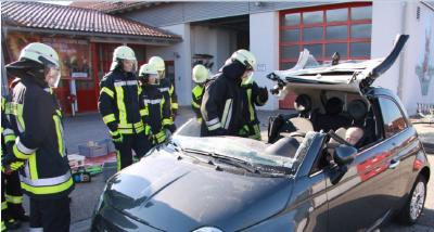 ``Hitachi Automotive Systems supports the education of young firefighters of the Kreisfeuerwehrverband Erding e.V. association.``