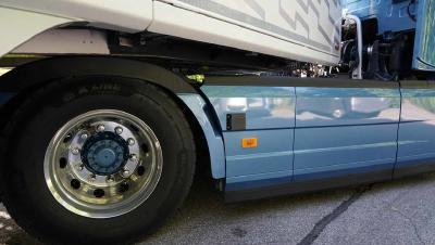 Besserer Schutz beim Abbiegen von Lkw