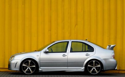 New Racelook Styling & Faclifting for the VW Bora from JMS 01