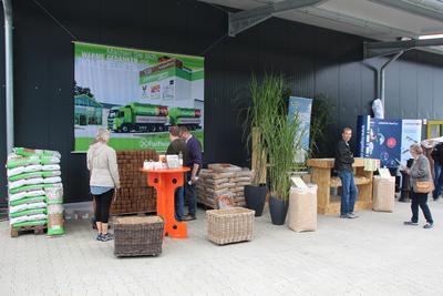 Verschiedenste regenerative Energieträger sind im Biomassezentrum für umweltschonendes Heizen erhältlich