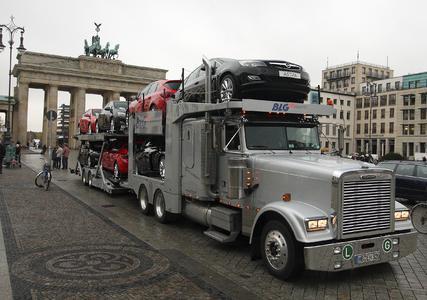 Opel Astra aus England über Hamburg nach Deutschland