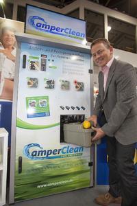 Ralf Tebartz erklärt seine patentierte Reinigungsstation
