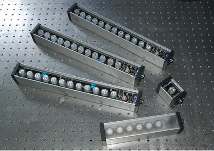 Ablösung für Halogen- und Fluoreszenz-Licht: Laser 2000 präsentiert die neuen XBAR Beleuchtungen