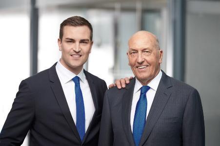 Derzeit führen zwei Generationen der Familie KIPP das  HEINRICH KIPP WERK: Heinrich Kipp (r.) und Nicolas Kipp (l.)