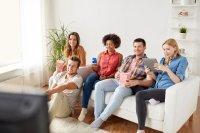 Wenn es beim Pay TV-Anbieter mal hakt, ist das Telefon nach wie vor die erste Wahl. Ein moderner VoiceBot ist 24/7 verfügbar und immer freundlich.